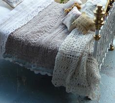 Amazing detail. The finery makes it so realistic compared to other miniature linens. lotjesdollshouse