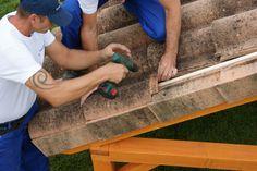 Terminación de instalación tejado mixta grande con media teja.
