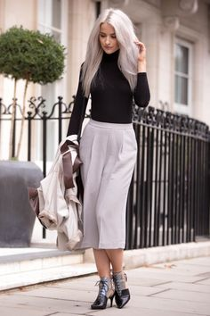 LFW - In The Frow wears Reiss Cally Culottes to Day one of London Fashion Week Milan Fashion Weeks, Paris Fashion, London Design Festival, Autumn Winter Fashion, Fashion Spring, Pretty Outfits, Dress To Impress, Celebrity Style, Bubble