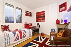 Nice Deco Chambre Union Jack that you must know, You're in good company if you're looking for Deco Chambre Union Jack Deco London, London City, Boy Room, Kids Room, Union Jack Decor, Beautiful Color Combinations, Home Interior, Girls Bedroom, Room Decor