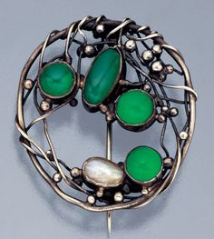 Mary Thew (1876-1953) Arts & Crafts brooch, Scottish, circa 1920 (silver, chalcedony, blister pearl)