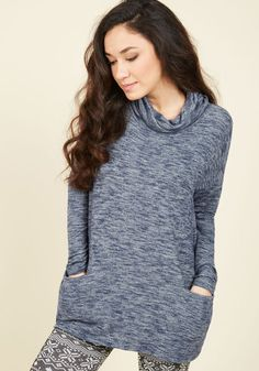 Maybe it's a library day or maybe it's a movie night - regardless, you can't wait to get into this soft knit top! Its close-fitting cowl neckline is kind of everything when it comes to coziness, while its heather navy hue, loose fit, and discreet pockets are bonus touches that boost your bliss.