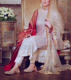 Shared by Mõrę SęlfLøvē. Find images and videos on We Heart It - the app to get lost in what you love. Pakistani Fashion Party Wear, Pakistani Wedding Outfits, Pakistani Wedding Dresses, Bridal Outfits, Indian Fashion, Style Fashion, Nikkah Dress, Shadi Dresses, Simple Pakistani Dresses