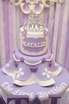 Stunning cake at a Sofia the First Birthday Party! Link has the cake as well as the rest of the pictures from a very big first birthday party. Sofia The First Cake, Sofia Cake, Princess Sofia Birthday, Sofia The First Birthday Party, 16th Birthday, Birthday Ideas, Bolo Sofia, Princesse Party, Princesa Sophia