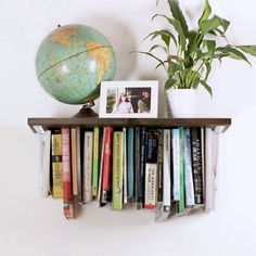 Upside-Down Optical Illusion Bookshelf #DIY #organization #books #shelving