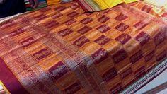 Handloom Sarees | Buy Beautiful doll Motif Silk Saree With Maroon Blouse Piece online