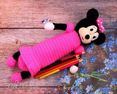 Crochet pencil case for girls - school fashion accessory. Pencil case is made in the form of the hero Minnie Mouse!  Bright pencil case. Colour black and pink - favorite color of each girl. This pencil case is a favorite subject and a good gift.  Every child wants to be special among your friends, so exclusive things exist in this world.  Pencil roomy. It is in the form of Minnie Mouse figurines. Originality - a matter of taste!  The foam can be used as a cosmetic case or for hooks and other ... Crochet Pencil Case, Crochet Case, Crochet Toys, Amigurumi Toys, Amigurumi Patterns, Favorite Subject, Favorite Color, Minnie Mouse Purse, Pencil Cases For Girls