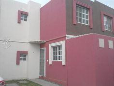 Casa 2 plantas Fracc. exclusivo Bonaterra zona SUR