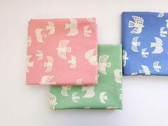 ▲綿(コットン) - 商品詳細 オックスプリント 旅立ち 110cm巾/生地の専門店 布もよう