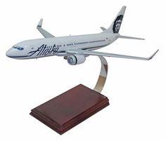 Desktop Boeing 737-800 Alaska 1/100 Scale Model