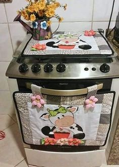 Sewing Crafts, Sewing Projects, Projects To Try, Cow Kitchen, Kitchen Decor, Kitchen Chairs, Diy And Crafts, Arts And Crafts, Mug Rugs