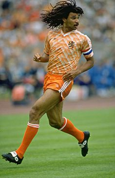 Ruud Gullit of Holland in action at Euro Legends Football, Football Icon, Best Football Players, Retro Football, National Football Teams, World Football, Soccer World, Vintage Football, Sport Football