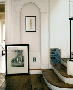 Love this. Curved nook and stairs, floor, picture on floor.