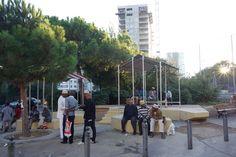 #Gecko2 à Saint-Mauront-Marseille Collectif Cabanon Vertical Béton jaune-Concrete Aménagement urbain participatif et transitoire Abris en tôle