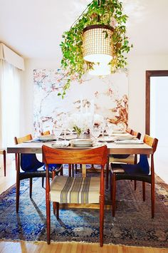 Inside Our Editor-at-Large's Elegant Holiday Party via @domainehome