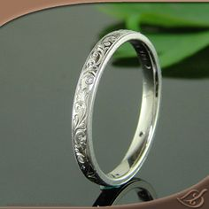 **Antique 14K White Gold Band. Oh me oh my! I LOVE THIN VINTAGED RINGS***