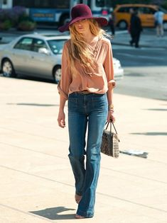 flare-jeans-7 Cute Outfits with Flare Jeans-26 Styles to Wear Flare Jeans
