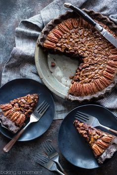 Nutritious Snack Tips For Equally Young Ones And Adults Double Chocolate Pecan Pie: Take Your Pecan Pie To The Next Level, With A Chocolate Crust And Sweet, Sticky Chocolate Pecan Filling. Made With No Corn Syrup Food Desserts Chocolate Beaux Desserts, Köstliche Desserts, Delicious Desserts, Dessert Recipes, Plated Desserts, Pecan Pies, Apple Pies, Sweet Pie, Sweet Tarts