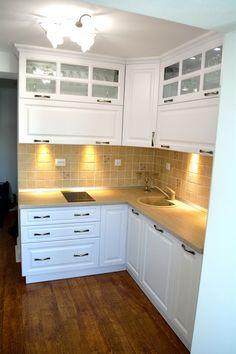 Bucatarie Rustica cu Usi din MDF Alb Titan Model Frezare A62P Mobila Bacau Interior Design Kitchen, Interior Modern, Design Case, Titanic, My Dream Home, Kitchen Cabinets, House, Home Decor, Future