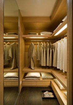 Closet para guardar roupas de cama