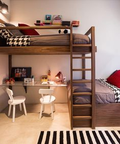 Beliche: 70 modelos perfeitos para quartos charmosos e funcionais Boy Bedroom Design, Cute Dorm Rooms, Home, Small Room Design, Bedroom Design, Chic Bedroom, Bunk Bed Rooms, Bunk Beds, Dream Rooms