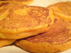 Clatitele din cartofidulci si mere sunt un desert grozav pentru bebelusul tau. Cartofii sunt bogatiin potasiu si acid folic, iar merele contin vitamine de care copilul tau arenevoie pentru a creste mare si sanatos. Nu ezita sa incerci, asadar, reteta declatite din cartofi dulci si mere!