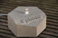 phone Dock for iPhone 5 & 6 Cement Design, Cement Art, Beton Design, Concrete Crafts, Concrete Projects, Wood Concrete, Concrete Casting, Concrete Furniture, Concrete Planters