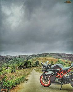・・・ The storm is coming📷™🏁 Full Hd Wallpaper Download, Wallpaper Downloads, Independence Day Images Download, Background Images For Editing, Bike Photo, Photo Editing, Clouds, Ktm Motorcycles, Ktm Rc