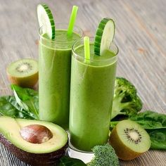 Creamy green smoothie by @smoothie._