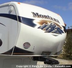 The 2013 Montana 3100RL offers a open living room area which is perfect for much needed down time.  http://petesrv.com/2013_Montana_3100RL_Fifth_Wheel_Trailer_Keystone_RV/15960.html