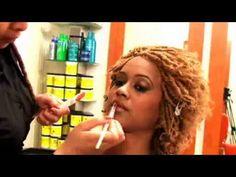 Pose de Vanilles et Coloration - Expert de la coiffure africaine à Paris, Locks Twists Tresses Salon vous fait découvrir la pose de vanilles sur cheveux courts de type afro pour ajouter du peps à votre style et gagner de la longueur en un clin d'œil.      Retrouvez nous sur notre site pour plus d'informations : http://www.coiffurelocks.com/locks-twists-tresses-salon.html