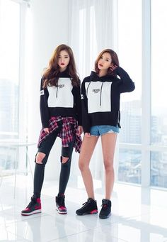 Korean Fashion on We Heart It Korean Girl Fashion, Ulzzang Fashion, Korean Street Fashion, Ulzzang Girl, Asian Fashion, Dance Outfits, Cool Outfits, Fashion Outfits, Japonese Girl