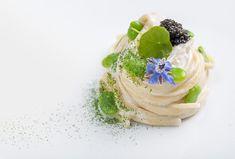 Pierfranco Ferrara | Linguine, ostriche, favette, dragoncello e caviale | foto Andrea Di Lorenzo