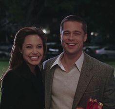 Brad Pitt And Angelina Jolie, Angelina Jolie Photos, Jolie Pitt, John Smith, Mr And Mrs Smith, Movie Couples, Cute Couples, Romantic Films, Film Inspiration