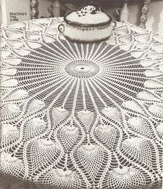 Peacock's+Tail+Pineapple+Tablecloth+Crochet+Pattern+C+1038