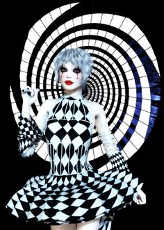 The costumes in the circus were centered around a black and white theme, just like the rest of the circus. the black and white scheme showed the display of darkness and light that was throughout the circus. Dark Circus, Circus Art, Circus Theme, Arte Punch, Pierrot Clown, Mode Latex, Chesire Cat, Foto Fashion, Black And White Theme