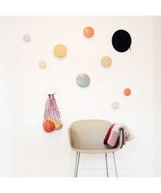 The dots appendiabiti taglia small Scandinavian Design House, Kids Bedroom, Bedroom Decor, Bedroom Inspo, Apartment Entryway, Wall Hooks, Modern Interior, Interior Inspiration, House Design