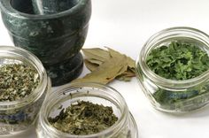 540806-dried-herbs-can-be-re-hydrated-to-make-juices.jpg 425×282 pixels