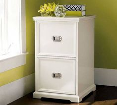 Superbe White Wood File Cabinet