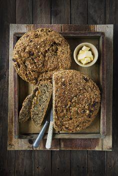 Klikk her for oppskriften på et godt, grovt og eltefritt brød. Bakes uten kjøkkenmaskin.