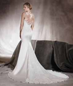 Atenas - Brautkleid mit Spitze, Stickerei und Schmucksteinbesatz