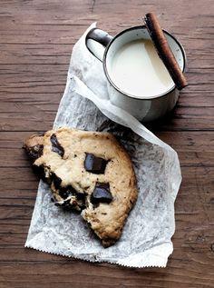 gros cookie & tasse de lait
