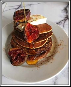Banana oat pancakes with ricotta, baked figs and Agave syrup Dee Gullan from Dee Kos has once again shared with us an amazing recipe which ticks all the boxes for a sweet, healthy treat. The roasting of the figs gives a lovely subtle caramelisation flavour. An alternate tip is to steam the figs in the simmering basket in the Thermomix.  Make your own oat flour and enjoy this sugar-free, low GI treat.