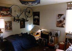 Fuck Yeah Cool Dorm Rooms- Bike in room idea 1980s Bedroom, Teen Bedroom, Bedroom Wall, Bedroom Furniture, Teenage Bedrooms, Retro Bedrooms, Cool Dorm Rooms, Retro Room, Bedroom Layouts
