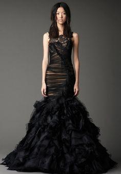 black wedding gown by Vera Wang Black Wedding Gowns, Wedding Dress 2013, Lace Mermaid Wedding Dress, Gothic Wedding, Mermaid Gown, Wiccan Wedding, Lace Wedding, Mermaid Fabric, Gown Wedding