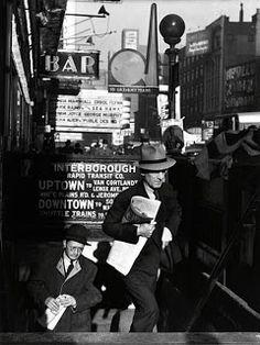1940s New York -  photo by Louis  Stoumen
