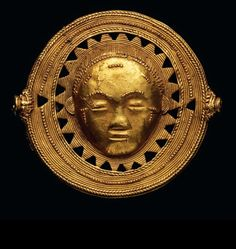 Africa | Gold alloy (ca. 9.6k gold) pendant from the Akan people of the Ivory Coast