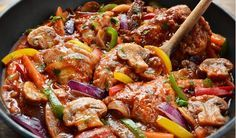 """Italian """"hunter-style"""" Chicken Cacciatore w/ braised chicken, onion, bell peppers, mushrooms, tomatoes and red wine - this is one of the best meals I've made! Greek Recipes, Paleo Recipes, Italian Recipes, Cooking Recipes, Turkey Recipes, Chicken Recipes, Recipe Chicken, Healthy Chicken, Chicken Cacciatore"""