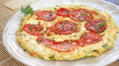 Kayanas, Omelet Recipes, Perfect Omelet with Tomatoes Greek Olives, Greek Recipes, Low Carb Keto, Tasty Dishes, Street Food, Vegetable Pizza, Cooking Recipes, Yummy Food, Stuffed Peppers