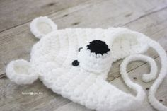 Crochet Polar Bear Hat Pattern - Repeat Crafter Me